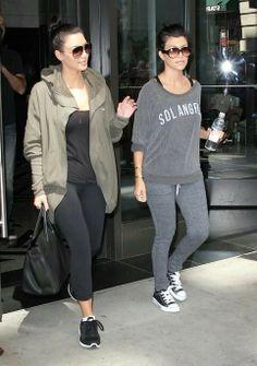 Kourtney kardashian and kim kardashian gym time