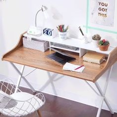 Space-saving, multi-tasking, problem-solving AND good looking.now that's a dorm room win! 🙌 Here are three ways to re-purpose your college desk. Shop it now via the link in our bio.