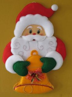 Felt Crafts, Diy And Crafts, Christmas Decorations, Christmas Ornaments, Holiday Decor, Corpus Christi, Kids Christmas, Dragon Ball, Flora