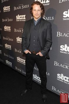 Here are some pics to get you through Droughtlander of Caitriona Balfe and Sam Heughan at the Premiere of Black Sails. Hot Scottish Men, Scottish People, Outlander Book Series, Sam Heughan Outlander, Series Premiere, Sam And Cait, Samheughan, Black Sails, Caitriona Balfe