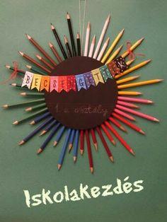 School Wreaths, Teacher Wreaths, Teacher Thank Yous, Teacher Gifts, Pencil Wreath, Diy For Kids, Crafts For Kids, Teaching Displays, Diy And Crafts