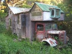 This is one of New Zealand's iconic house trucks.