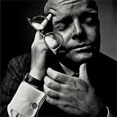 http://ralphdeeds.hubpages.com/hub/Irving-Penns-Extraordinary-Portrait-Photographs