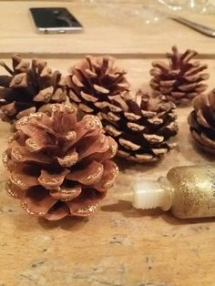 Christmas pine cones #christmas #crafts
