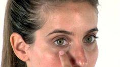 Este truco fácil y natural te ayudara a que atenúes de tu rostro las ojeras, ademas de descongestionar la piel. Lasojerasson alteraciones en la coloración de la piel debajo de los ojos....
