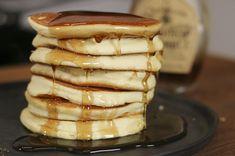 Recette Pancakes très moelleux facile et rapide - HerveCuisine.com Healthy Cake, Healthy Work Snacks, Best Pancake Recipe, Crepes And Waffles, Healthy Oatmeal Cookies, Food Porn, Bowl Cake, Pumpkin Dessert, Food Blogs