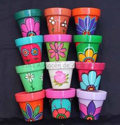 Idea Of Making Plant Pots At Home // Flower Pots From Cement Marbles // Home Decoration Ideas – Top Soop Flower Pot Art, Flower Pot Design, Flower Pot Crafts, Clay Pot Projects, Clay Pot Crafts, Painted Plant Pots, Painted Flower Pots, Pots D'argile, Clay Pots