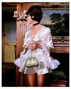 """ Linda Thorson as Tara King in the Avengers "" The Avengers, Avengers Images, Diana Riggs, Uk Tv Shows, Tara King, Joanna Lumley, Emma Peel, Fashion Models, Fashion Outfits"