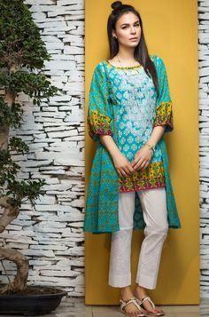 All the most modern girls and women get ready to see latest and beautiful summer salwar suit designs for your next party wears. These latest salwar kameez neck designs catalogue for your inspiration. Pakistani Fashion Casual, Pakistani Dresses Casual, Pakistani Dress Design, Indian Dresses, Stylish Dresses, Simple Dresses, Casual Dresses, Short Dresses, Baby Dresses