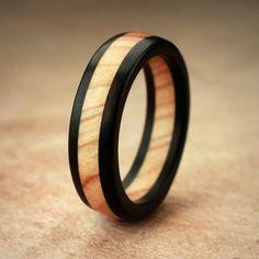 Ebony Olive Wood Ring par IanGill sur Etsy, $35.00