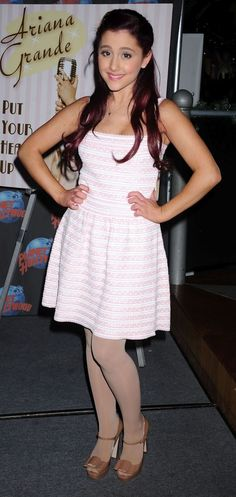 Ariana Grande Pantyhose | Celebrities in Pantyhose and Tights: Ariana Grande in pantyhose 2: