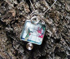 Glass tile pendant tutorial. Supplies: http://www.ecrafty.com/c-6-photo-jewelry.aspx