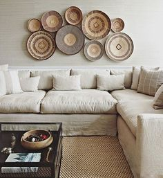 Totally feeling a grown up basket wall right about now #inspo #newneutrals #handmadeisbetter #decor pic via @changoandco