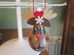 Hand Painted Reindeer Christmas Light Bulb Ornament | eBay Christmas Light Bulbs, Christmas Ornaments To Make, Christmas Projects, Holiday Crafts, Christmas Decorations, Reindeer Christmas, Christmas Scenes, Christmas Stuff, Recycled Light Bulbs