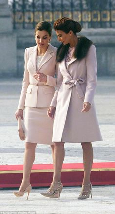 The two stylish brunettes appeared deep in conversation as they strode along in Madrid in strikingly similar ensembles Spanish Queen, Royal Crown Jewels, Corporate Fashion, Ladylike Style, Pink Suit, Princess Sofia, Queen Letizia, Working Woman, Royal Fashion