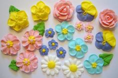 Cake Decoration Royal Icing Flower Piping - Cake Baking Classes in Singapore - LessonsGoWhere