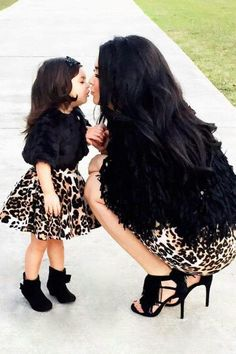 This is me and my future daughter ❤️ Mother Daughter Photos, Mother Daughter Matching Outfits, Mother Daughter Fashion, Mommy And Me Outfits, Future Daughter, Kids Outfits, Mother Daughters, Baby Girl Fashion, Kids Fashion