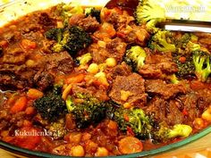 Farebný hovädzí krk (fotorecept) Paella, Ethnic Recipes, Food, Red Peppers, Essen, Yemek, Meals