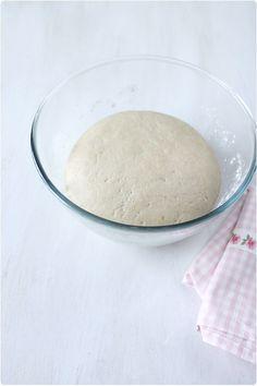 Faire son pain maison sans machine à pain - chefNini Best Bread Recipe, Bread Recipes, Cooking Recipes, 20 Min, Glass Of Milk, Biscuits, Pains, Pizza, Food