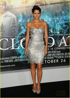 Halle Berry: 'Cloud Atlas' Premiere with Olivier Martinez!