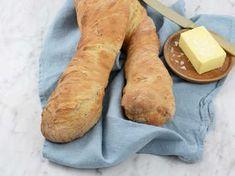Siri Barje visar hur du bakar snabba och goda baguetter. Perfekt att servera till soppa!Testa Siris snabba rotfruktssoppa!