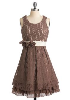 Super cute Live and Eyelet Live dress in putty w/ eggshell color liner <3