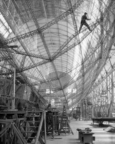 Early example of IKEA flat pack .....actually the construction of the Graf zeppelin in 1928 #style #blackandwhitephotography #1920s #vintagephotography #blacknwhite_perfection #fabulous