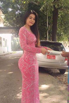 Thems some Glourious glutes baby 💘💘💋💋 Long Dress Fashion, Burmese Girls, Myanmar Women, Asian Model Girl, Curvy Girl Outfits, Beautiful Asian Women, Sexy Asian Girls, Asian Woman, Girls Dresses