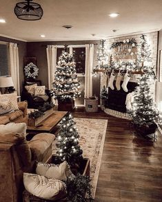 Rustic farmhouse Christmas decorating ideas to try this year - Miss M.V.