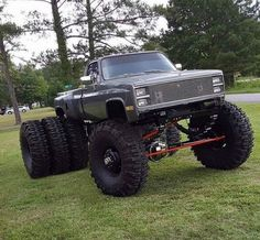 I dont know if I should laugh or if I should laugh lol C10 Chevy Truck, Dually Trucks, Lifted Chevy Trucks, Chevrolet Trucks, Diesel Trucks, Chevy Silverado, Pickup Trucks, Chevy 4x4, 1957 Chevrolet