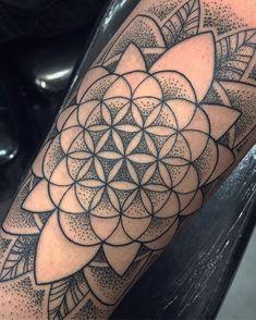 shoulder tattoo for women - # women # for # shoulder tattoo - flower tattoos - tattoo - (notitle) tribal tattoos - Dot Tattoos, Tribal Sleeve Tattoos, Life Tattoos, Body Art Tattoos, Zen Tattoo, Thigh Tattoos, Model Tattoo, Tattoo Models, Tattoo Geometrique