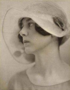 1920s photo: another lost beauty