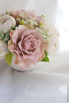 """Купить Букет """"Розы с ранункулюсами"""" - бледно-розовый, розовый, ранункулюс, белый цвет"""