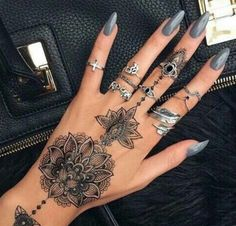 Tribal Lotus Mandala Black Henna Flower Hand Tattoo Ideas for Women at MyBodiArt. Cute Tattoos, Beautiful Tattoos, Body Art Tattoos, Type Tattoo, Tatoos, Henna Hand Tattoos, Gold Tattoo, Tattoo Black, Hand Tattoos For Women
