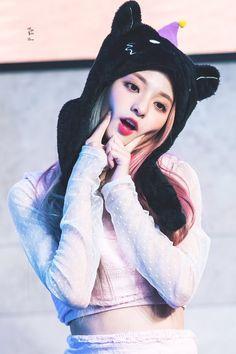 Cute Korean Girl, South Korean Girls, Asian Girl, Kpop Girl Groups, Kpop Girls, Beautiful Chinese Girl, Young Baby, Aesthetic Girl, K Idols