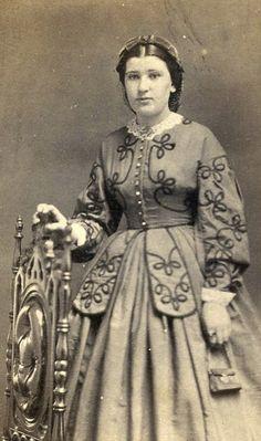 CDV Card Vintage Photo Young Woman Tiny Purse Civil War Era Fashion Ohio | eBay