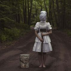 These Creepy Images Of Faceless Individuals Are About To Invade Your Darkest Desires Pennsylvania-based photographer Christopher McKenney creates composite photographs of horror scenes full of disturbing characters that appear to exis. Creepy Photography, Horror Photography, Surrealism Photography, Conceptual Photography, Dark Photography, Exposure Photography, Abstract Photography, Images Terrifiantes, Creepy Pictures