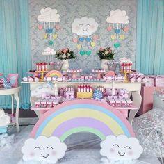 ideas de baby shower de nubes y arco iris ile ilgili görsel sonucu Rainbow Theme, Rainbow Birthday, Rainbow Baby, Unicorn Birthday Parties, Unicorn Party, Fiesta Baby Shower, Baby Shower Themes, Baby Shower Decorations, Shower Baby