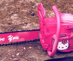 Hello Kitty hot pink 'I love you' chainsaw