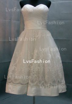 Tea Length Strapless Sweetheart Tulle and Lace Vintage Short Wedding Dresses, Bridal Gown, Beach Wedding Dresses. $189.00, via Etsy.