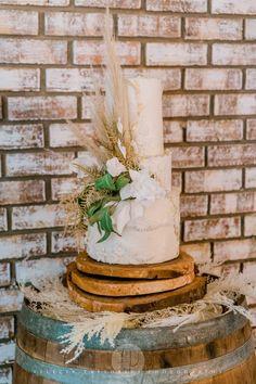 Absolutely Gorgeous, Beautiful, Custom Cakes, Amazing Cakes, Catering, Wedding Cakes, Wedding Inspiration, Bakery Website, Desserts