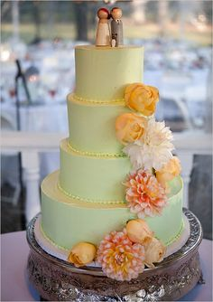 green wedding cake- like the flowers down the side