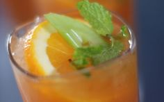 Siba's Sundowner - pomegranate apple orange and carrot juice with grates celery & ginger (oh yeah and vodka) You are in the right place about asian recipes green beans Here we of Easy Chinese Recipes, Asian Recipes, My Recipes, Cooking Recipes, Healthy Recipes, Food Network Uk, Food Network Recipes, Sibas Table Recipes, Chefs