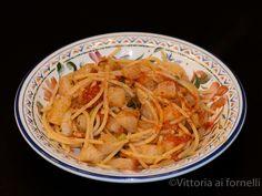 Turnip cabbage spaghetti, Sicilian recipe.  Spaghetti con cavolo rapa, ricetta siciliana - Vittoria ai fornelli