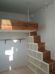 41 Ideas apartment bedroom loft stairs for 2019 Loft Room, Bedroom Loft, Bedroom Storage, Mezzanine Bedroom, Attic Loft, Diy Bedroom, Attic Ladder, Attic Playroom, Design Bedroom