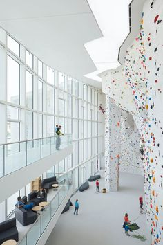 School Bouldering and Climbing Centre in Brunico - Italy
