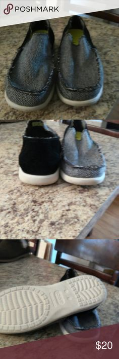 Men's croc shoes Worn only a few times. Great cond. These are a men's 7. CROCS Shoes