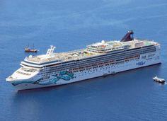 Norwegian Cruise Line Welcomes Ship Custom-built For China