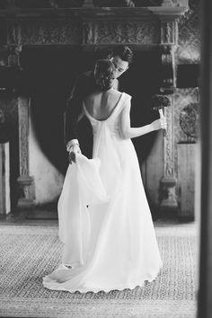 My favorite wedding shots of 2013: http://www.ohbeautifulworld.com/2013-weddings/ #couple #wedding #dress