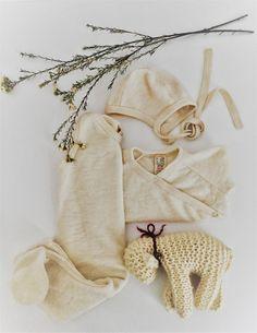 Natur, wollweiß, Babyanzug, Baby Outfit, einfarbig